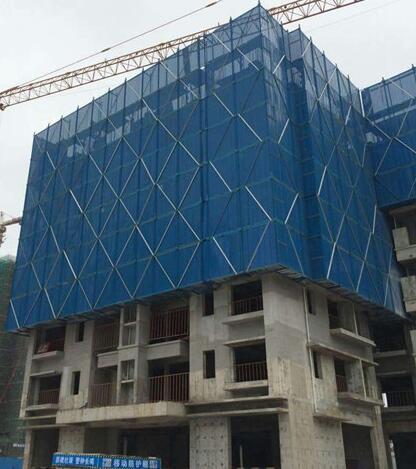 建筑爬架网安装