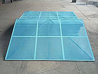 生产供应高品质冲孔建筑爬架网